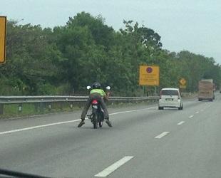 マレーシア 道路 レンタカー (10)