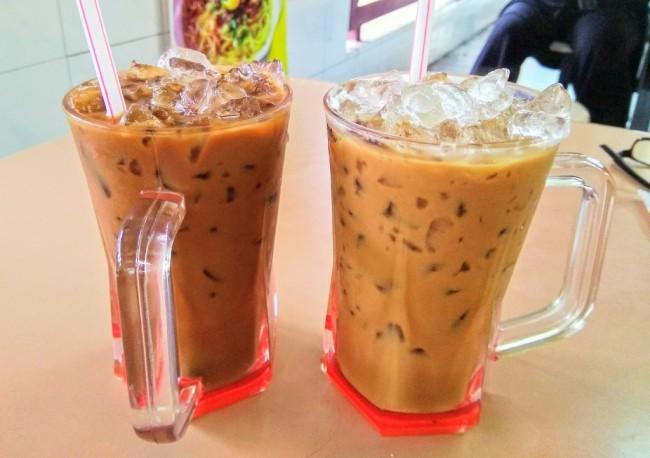 マレーシアの飲み物コピアイスとテアイス