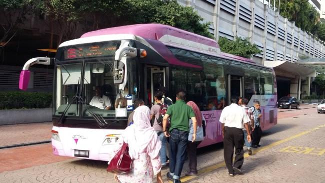 マレーシア、クアラルンプールを巡回する無料バスGOKL