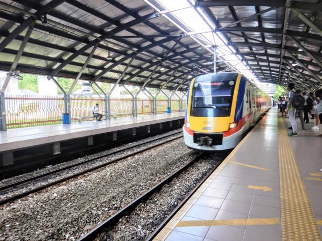 クアラルンプールを走る通勤電車KTMコミューター