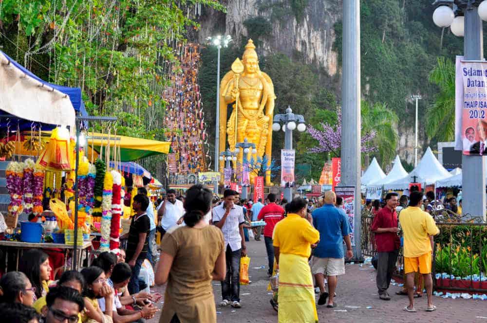 ヒンドゥ―教の奇祭タイプ―サムの会場となるバトゥケイブの写真