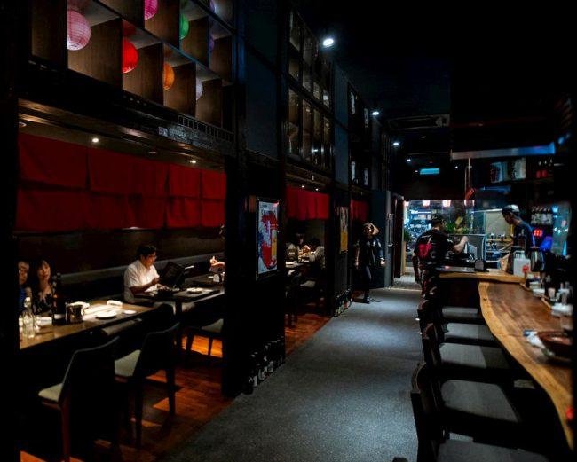 マレーシアのしゃかりき酒ダイニング(デサスリハタマス店)の店内の写真